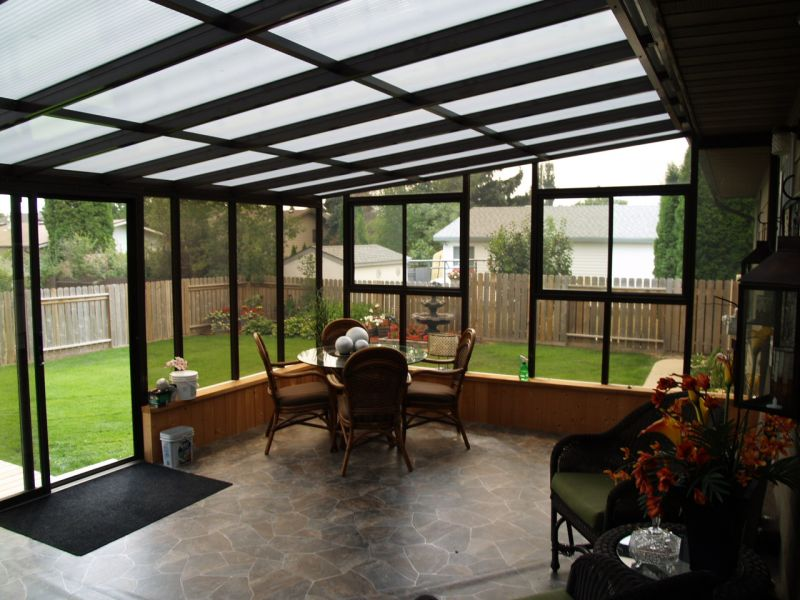 Alternate interior view of a large sunroom